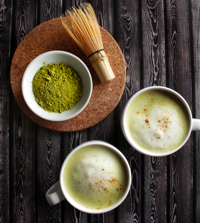 抹茶アーモンドミルクラテのレシピ
