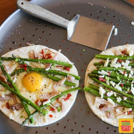 チキンとアスパラのフラットブレッドピザのレシピ2
