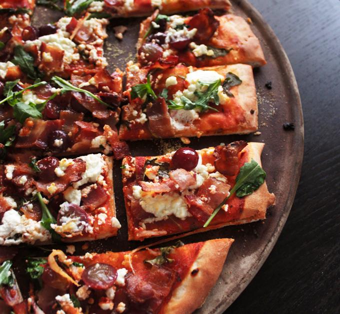 ベーコン、ぶどう、ゴートチーズのピザのレシピ2