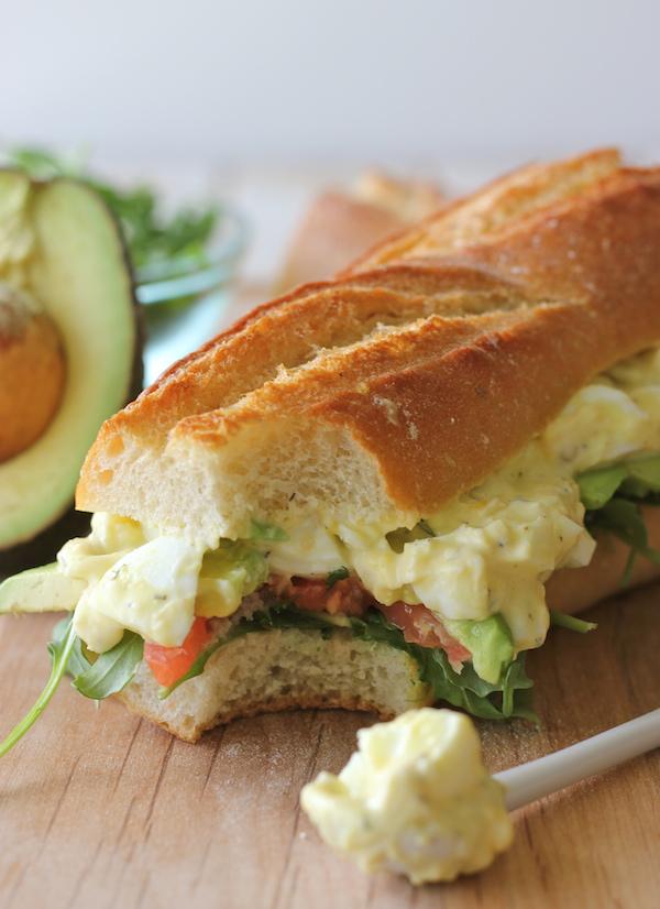 ヨーグルトエッグサラダのサンドイッチのレシピ
