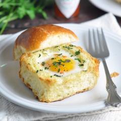 ブリオッシュのエッグカップトースト