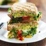 アボカドと野菜のパニーニのレシピ