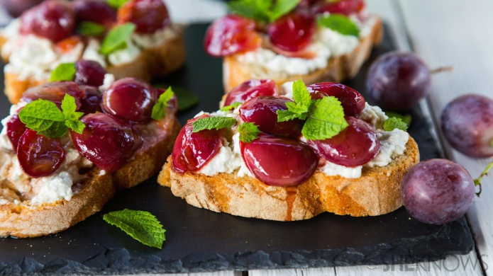 Blue cheese and pan-roasted grape tartine recipe