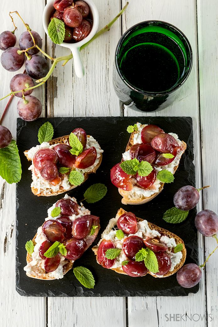 ブルーチーズとぶどうのタルティーヌのレシピ