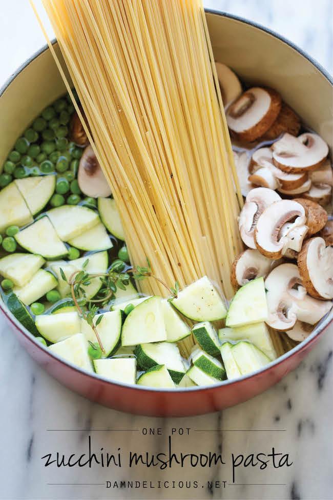 ズッキーニとマッシュルームのワンポットパスタのレシピ