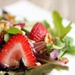 ラズベリーヴィネグレットソースの苺サラダのレシピ